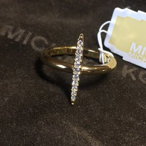 Michael Kors NWT Brilliance Matchstick ring Sz. 7